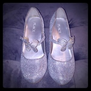 👑2/$25 Silver Girls Dress Shoes